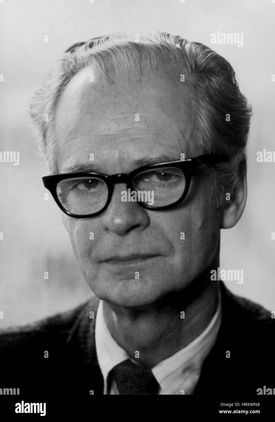 b f skinner Help us improve our author pages by updating your bibliography and submitting a new or current image and biography.