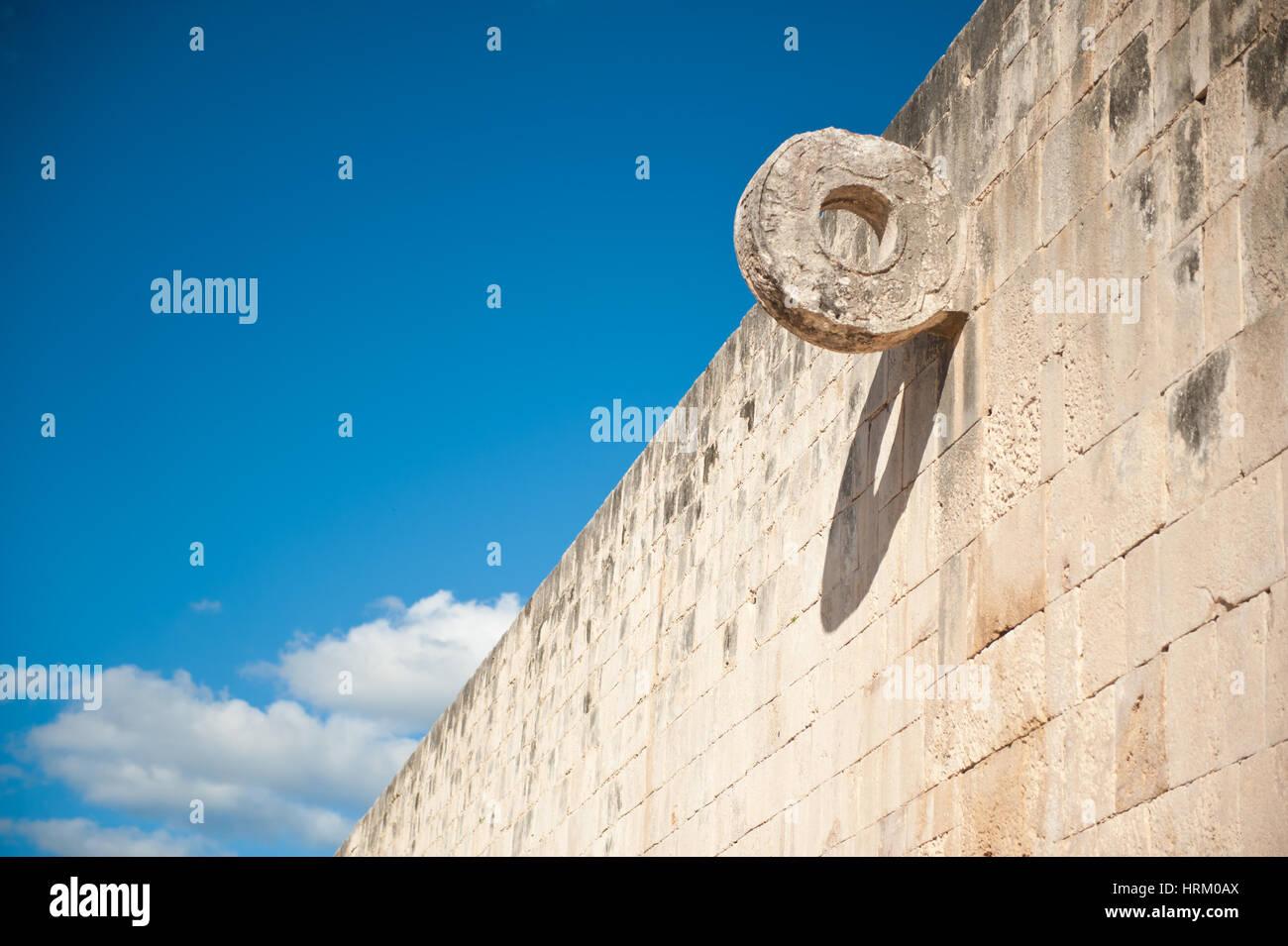Wall on Mayan football field at Chichen Itza, Yucatan, Mexico. - Stock Image