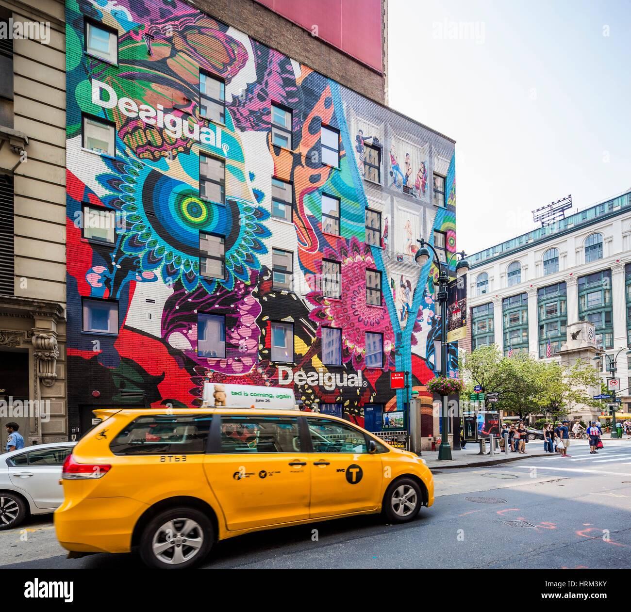 Foto Murales New York.Usa New York New York City Manhattan Midtown Taxi Near