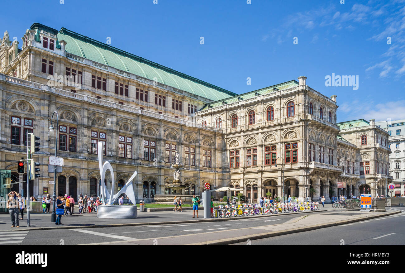 Austria, Vienna, view of the Neo-Renaissance Vienna State Opera (Wiener Staatsoper) at the Vienna Ringstraße - Stock Image
