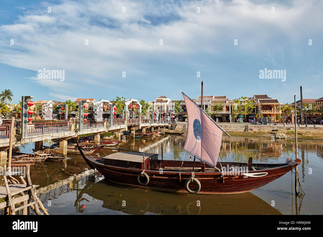 Traditional sail boat on the Thu Bon River. Hoi An Ancient Town, Quang Nam Province, Vietnam. - Stock Image