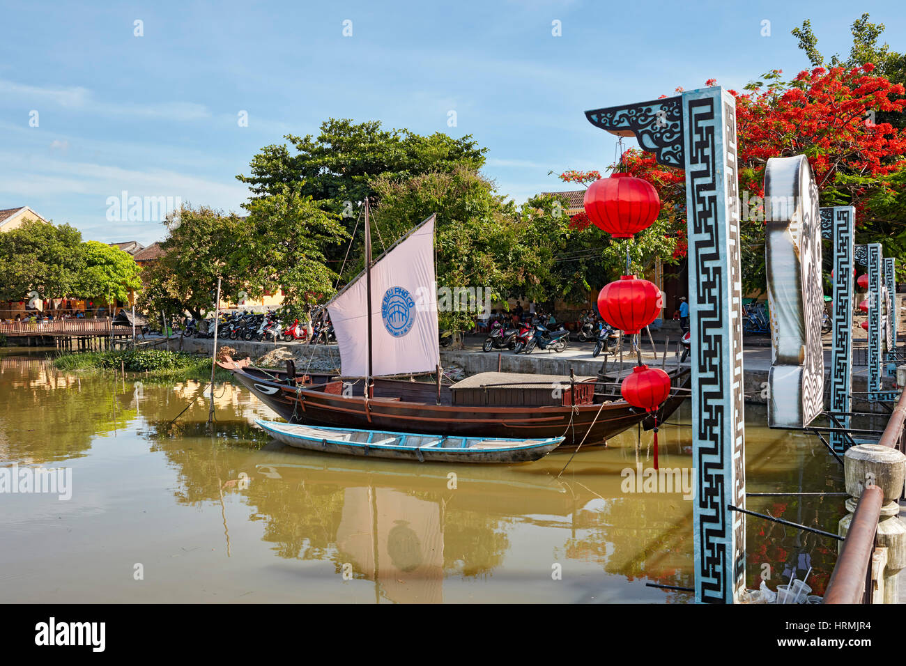Traditional boat on the Thu Bon River. Hoi An, Quang Nam Province, Vietnam. - Stock Image