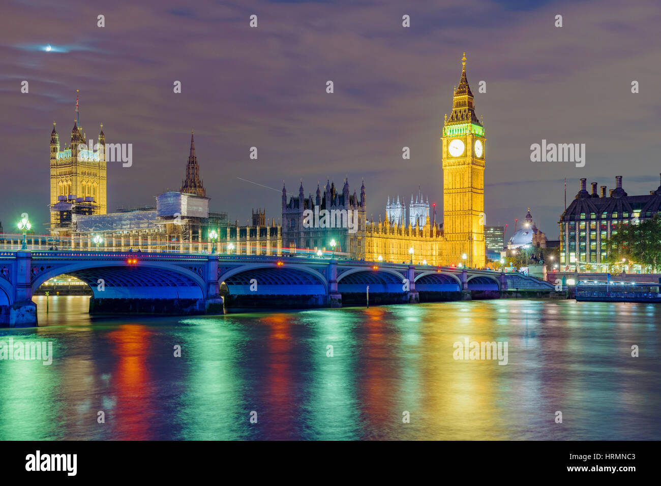 Nigh view of River Thames and the Houses of Parliament Stock Photo