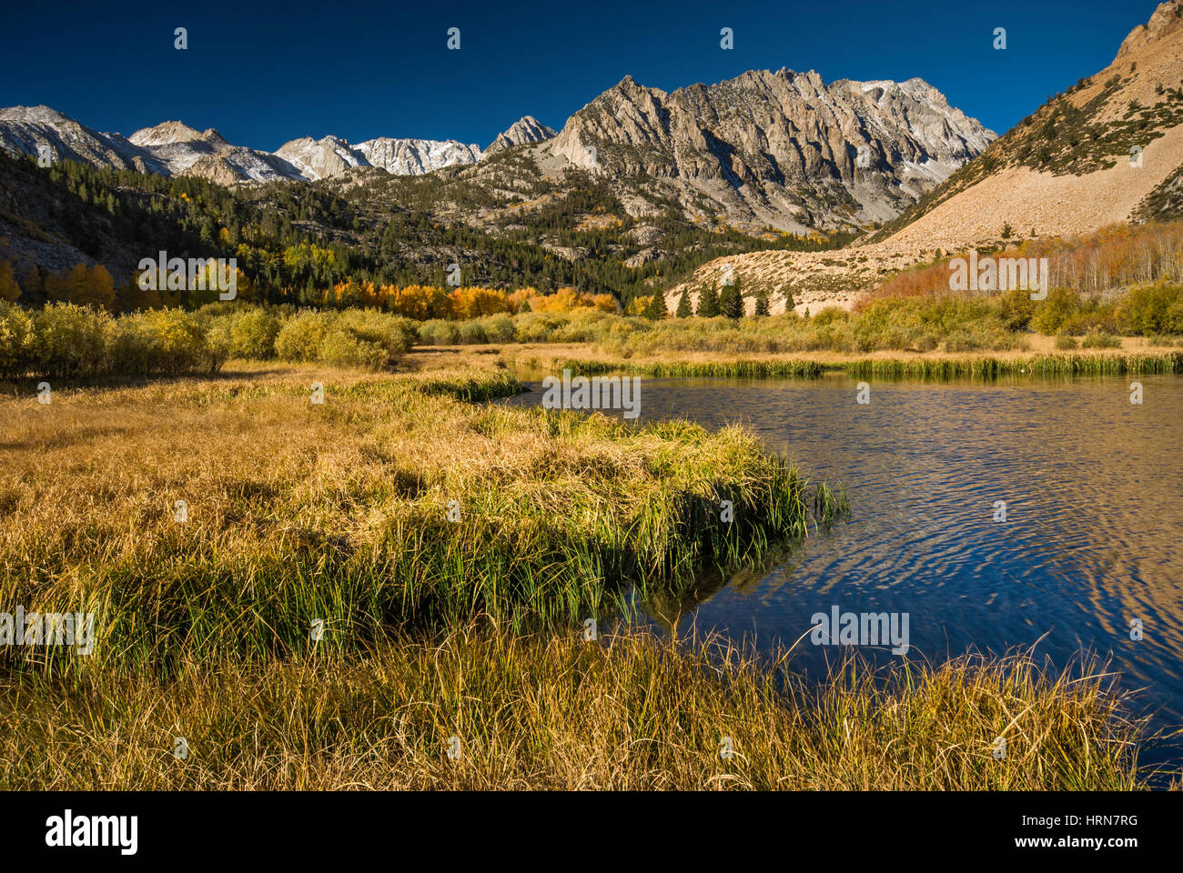 North Lake in Sabrina Basin, Mt. Lamarck in far distance, Evolution Region, John Muir Wilderness, Eastern Sierra - Stock Image