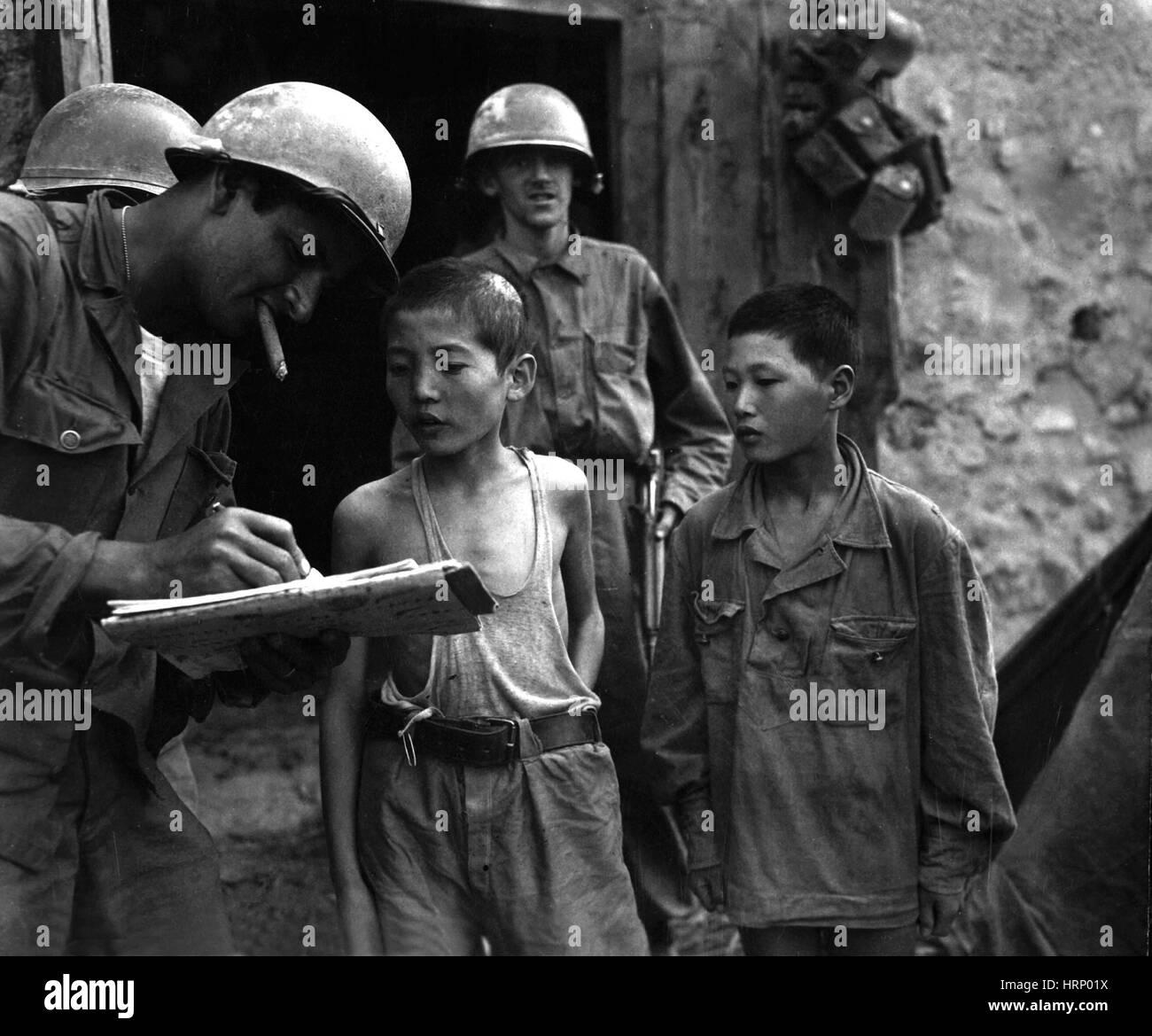 Korean War, Captured Soldiers, 1950 - Stock Image
