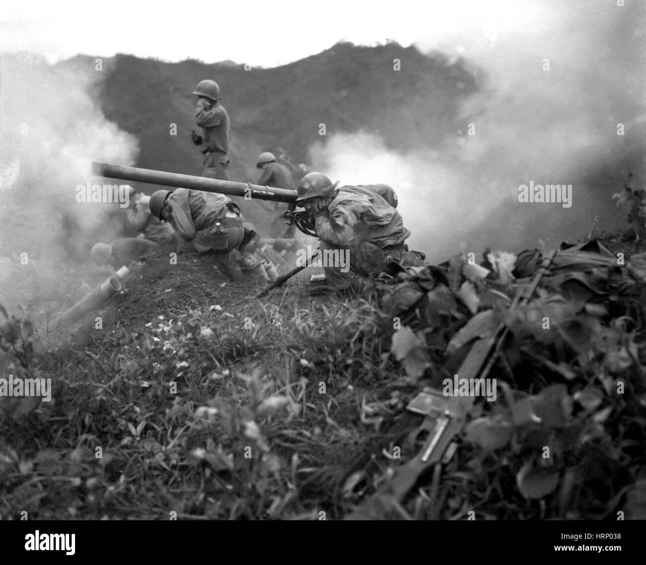 Korean War, Artillery Crew, 1951 - Stock Image