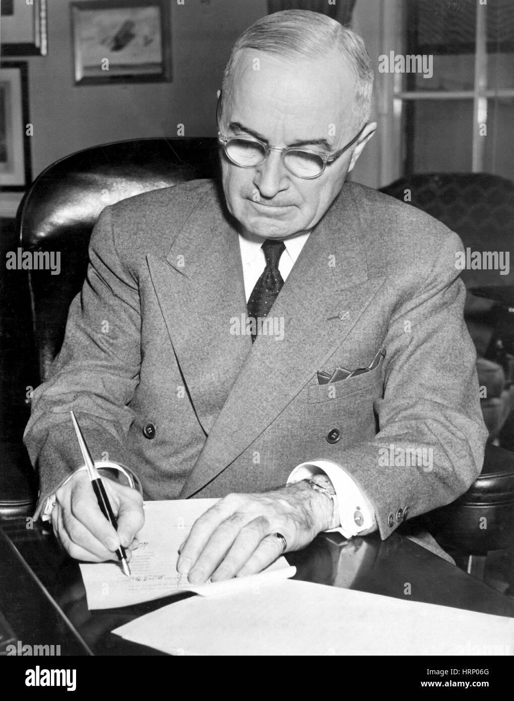 Truman Declares National Emergency, 1950 - Stock Image