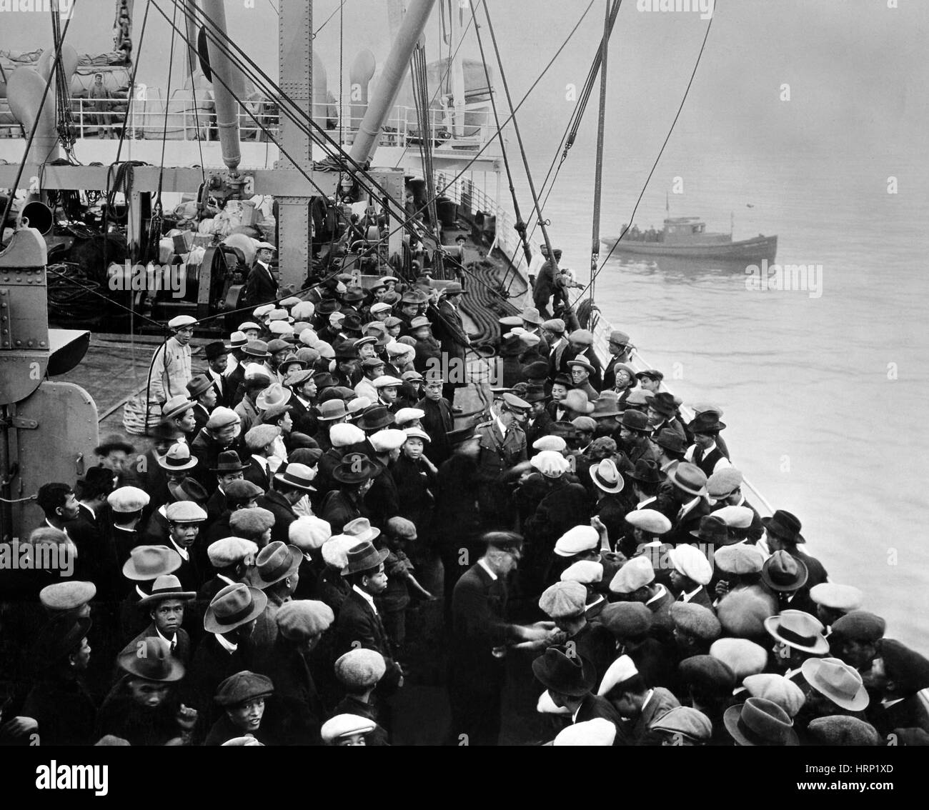 Health Inspection of Immigrants, 1900 - Stock Image