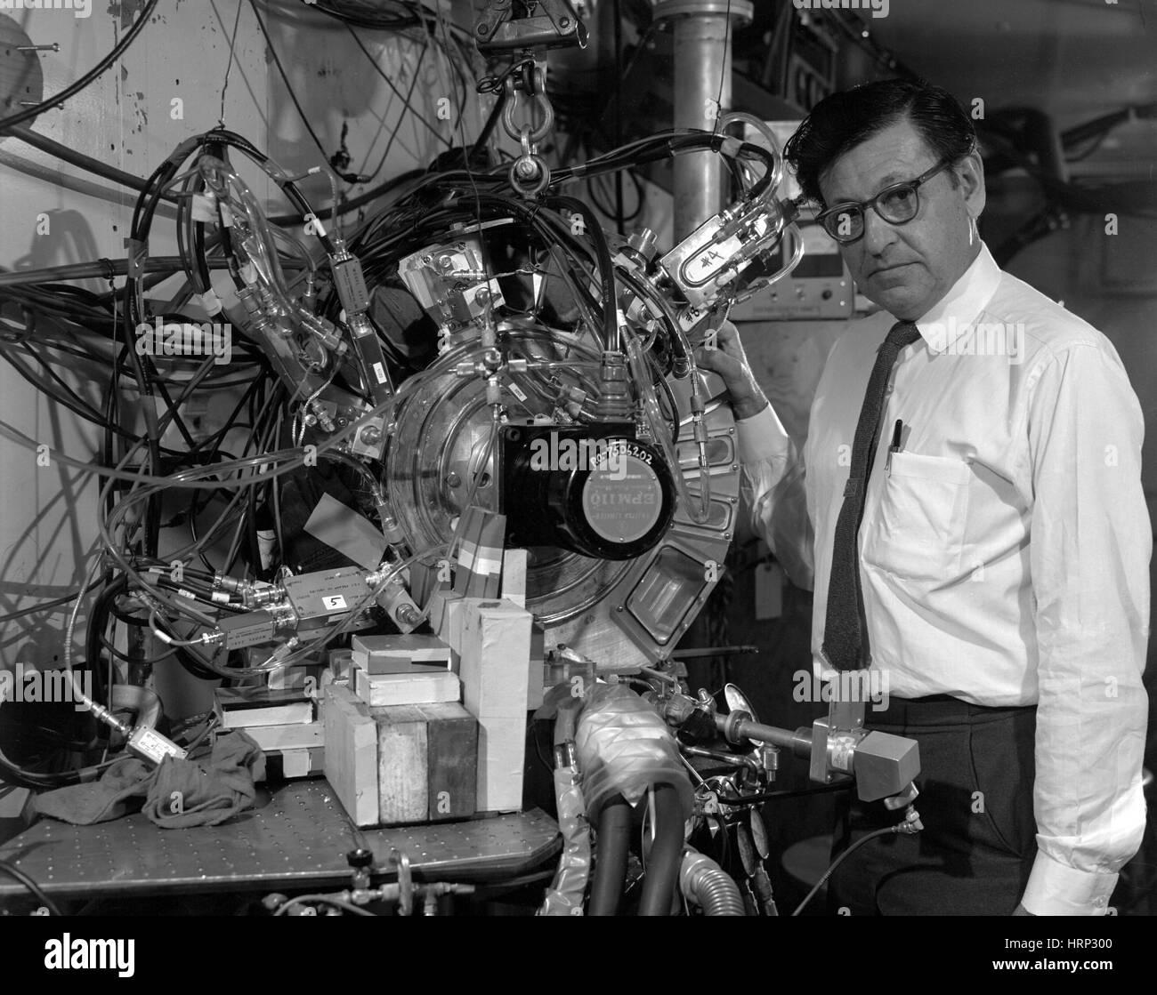 Albert Ghiorso, American Nuclear Chemist - Stock Image