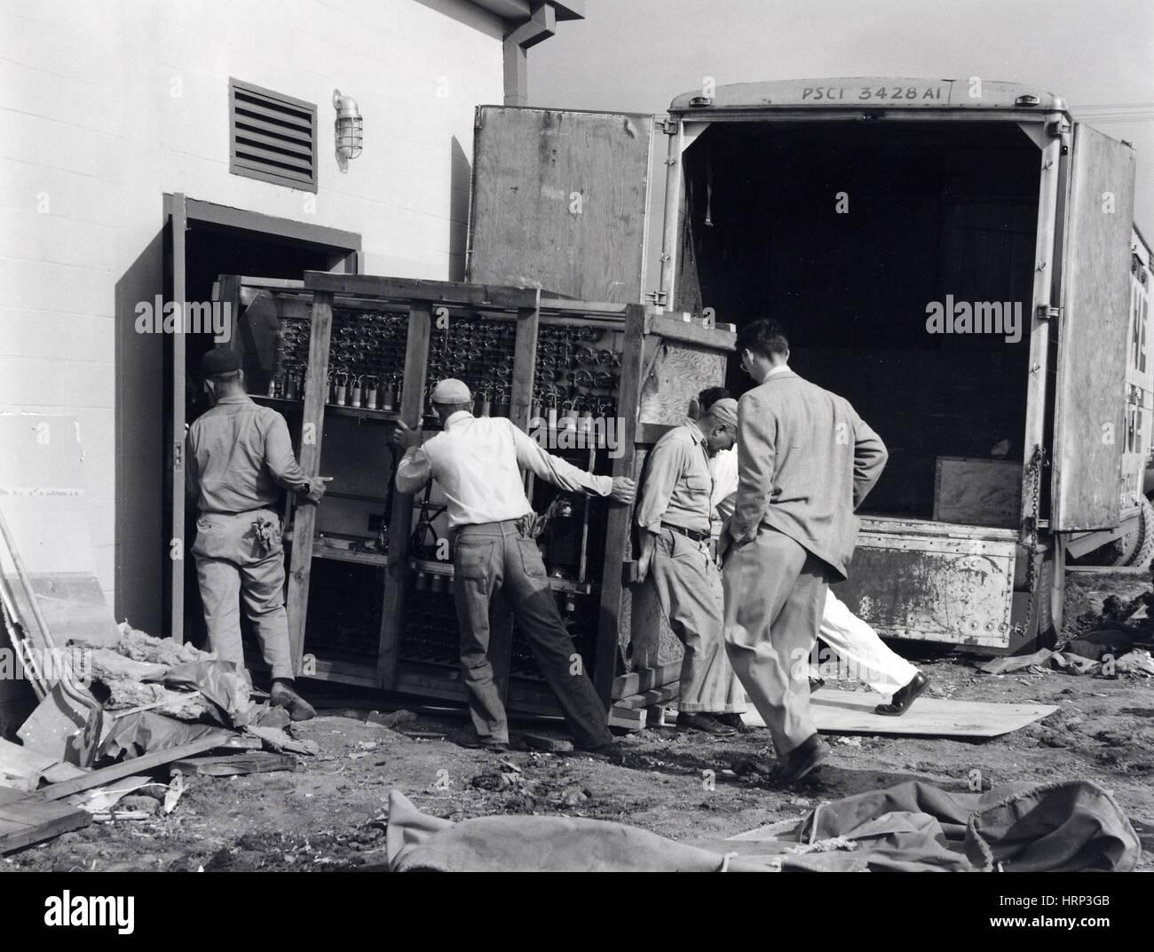 Unloading UNIVAC I, LLNL, 1953 - Stock Image