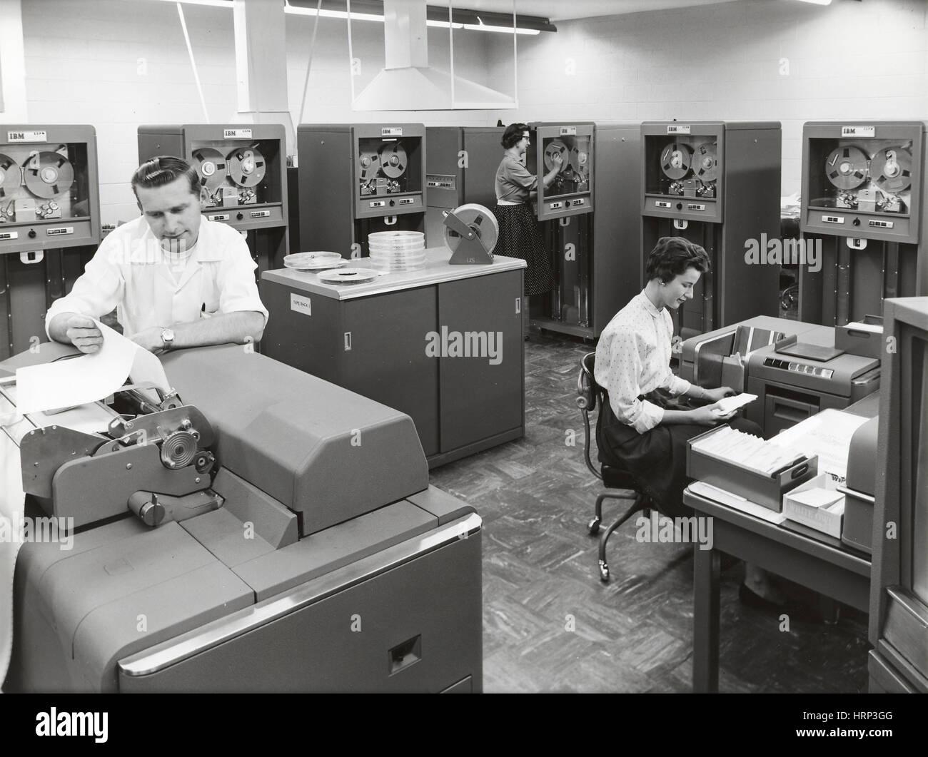 IBM 704 Computer, LLNL, 1950s - Stock Image