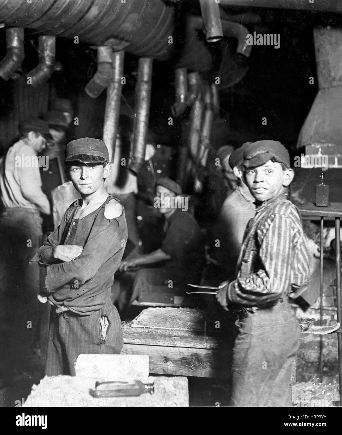 Indiana Glass Works Boys, 1908 - Stock Image