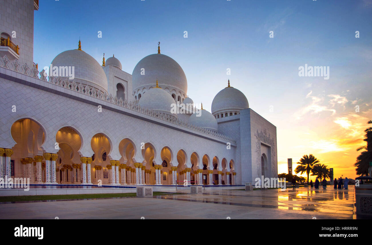 Sheikh Zayed Grand Mosque in Abu Dhabi, United Arab Emirates. - Stock Image