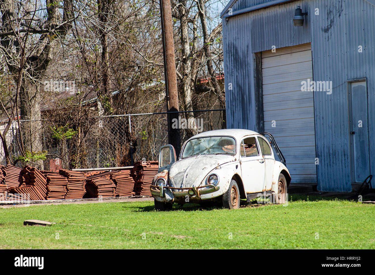 WHARTON, TEXAS, FEBRUARY 2017: An old Volkswagen Beetle in need of repair Stock Photo