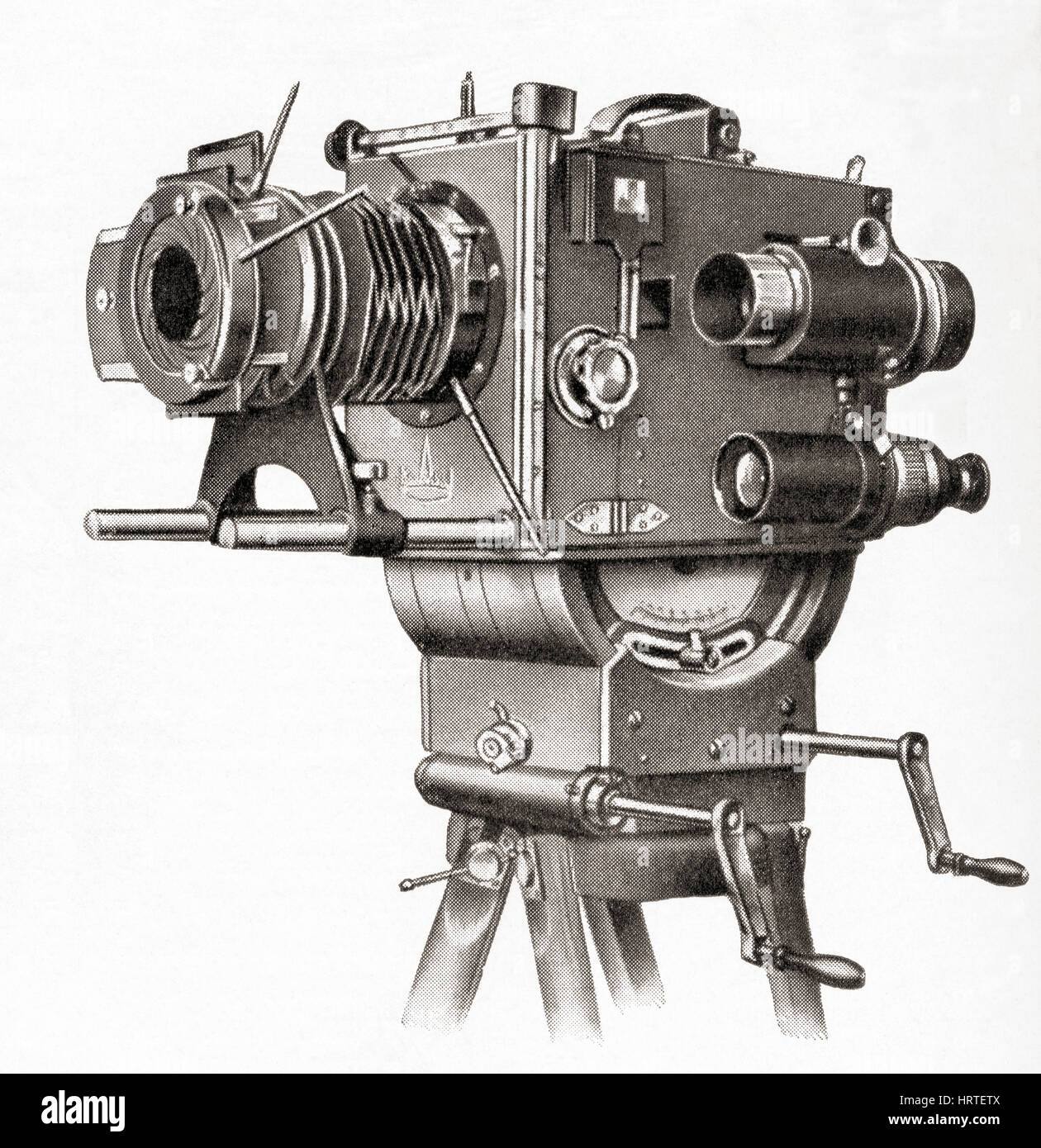A professional movie camera made at Askania Werke, Berlin, Germany.   From Meyers Lexicon, published 1927. - Stock Image