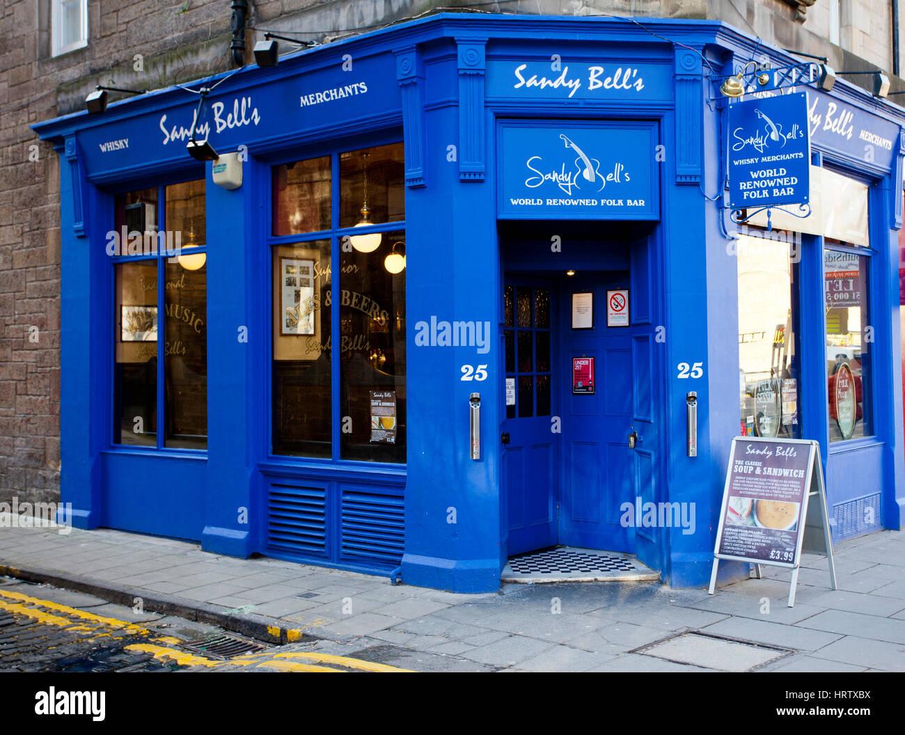 Sandy Bell's Pub, a folk music bar in Edinburgh - Stock Image