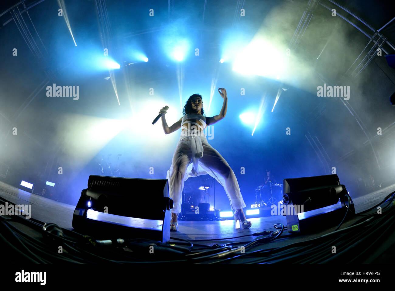 BARCELONA - JUN 20: FKA Twigs (band) in concert at Sonar Festival on June 20, 2015 in Barcelona, Spain. - Stock Image
