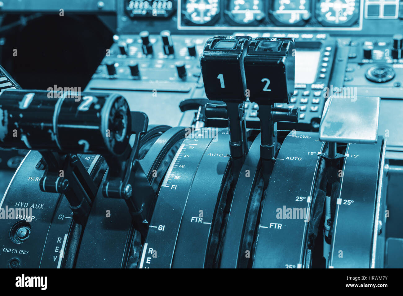Thrust Levers Stock Photos & Thrust Levers Stock Images - Alamy
