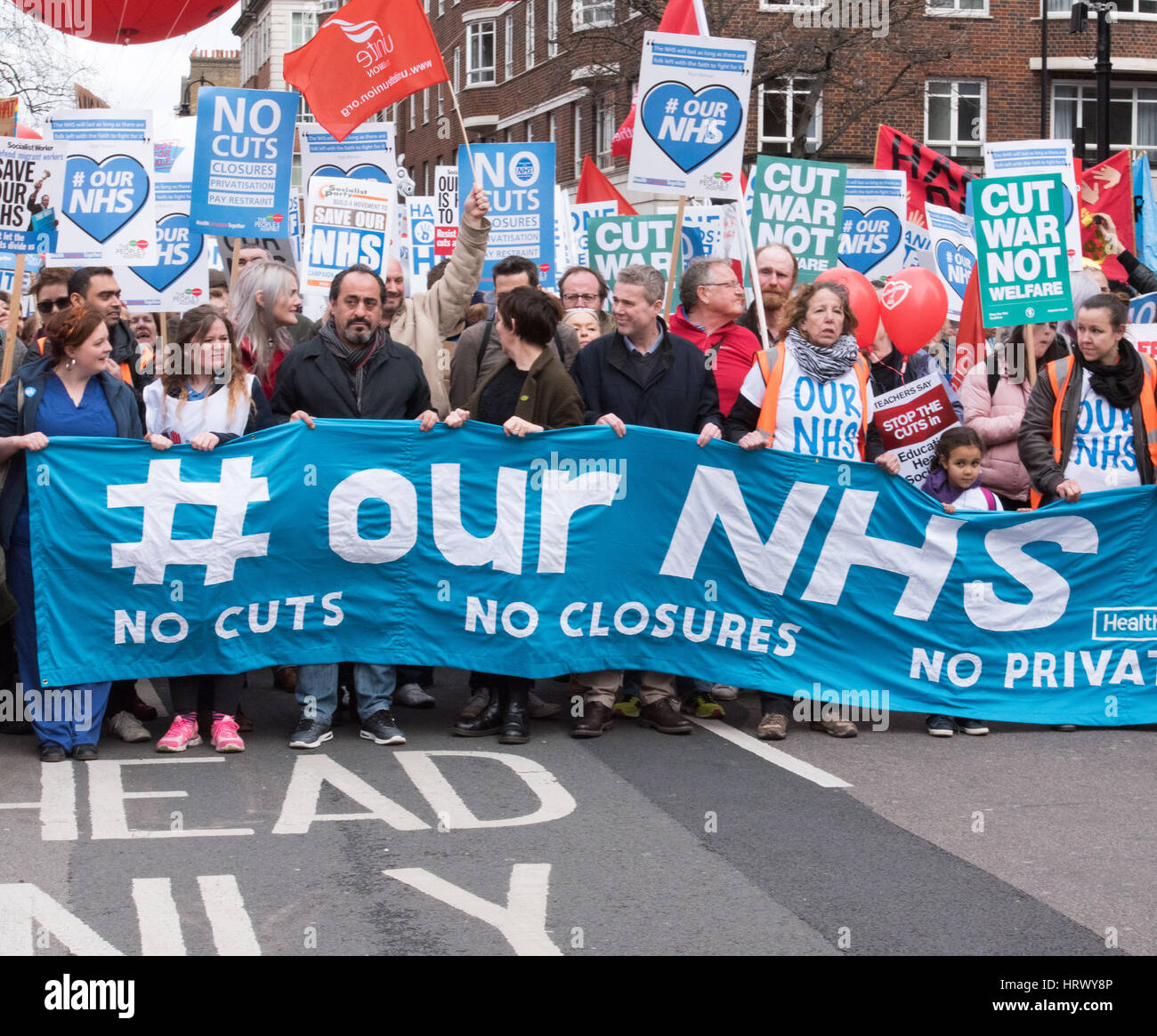 London, UK. 4th March 2017, Mass rally and march in support of the NHS in London Credit: Ian Davidson/Alamy Live - Stock Image