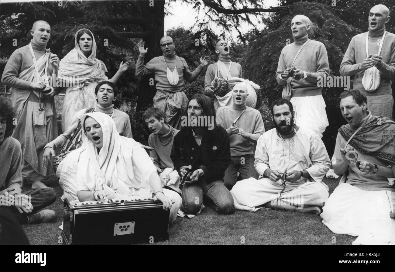 Aug. 08, 1969 - George Harrison with members of the international society for Krishna Consciousness: Beatle George - Stock Image