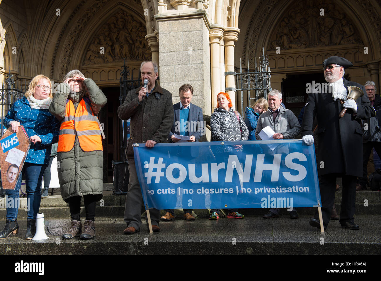 Truro, UK. 04th Mar, 2017. Stuart Roden, Labour Parliamentary Candidate for Falmouth and Truro, speaks to a crowd - Stock Image