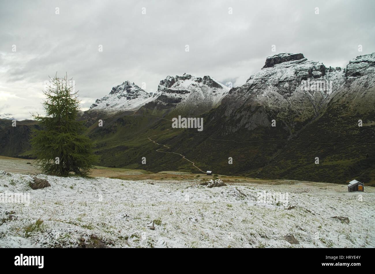 Passo Pordoi: first snow of the season on the Dolomiti mountains, Italy - Stock Image