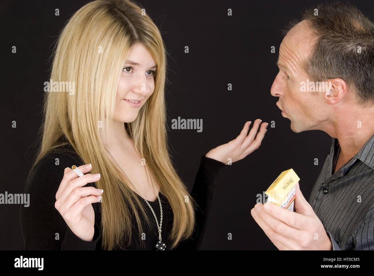 vater erwischt tochter beim fingern sex tube
