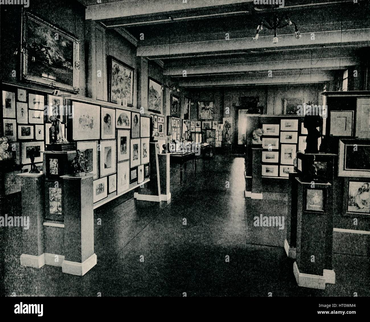 'Walker Art Gallery, Liverpool, Autumn Exhibition', 1915. Artist: Unknown. - Stock Image