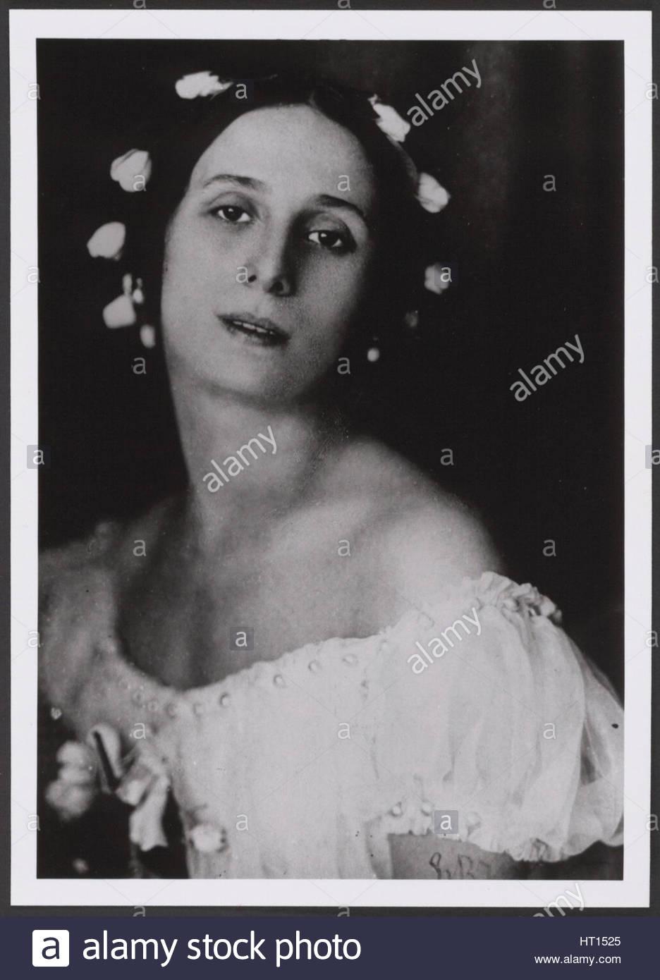 Anna Pavlova in the ballet Ballet Chopiniana by Mikhail Fokine, c. 1909.  Artist