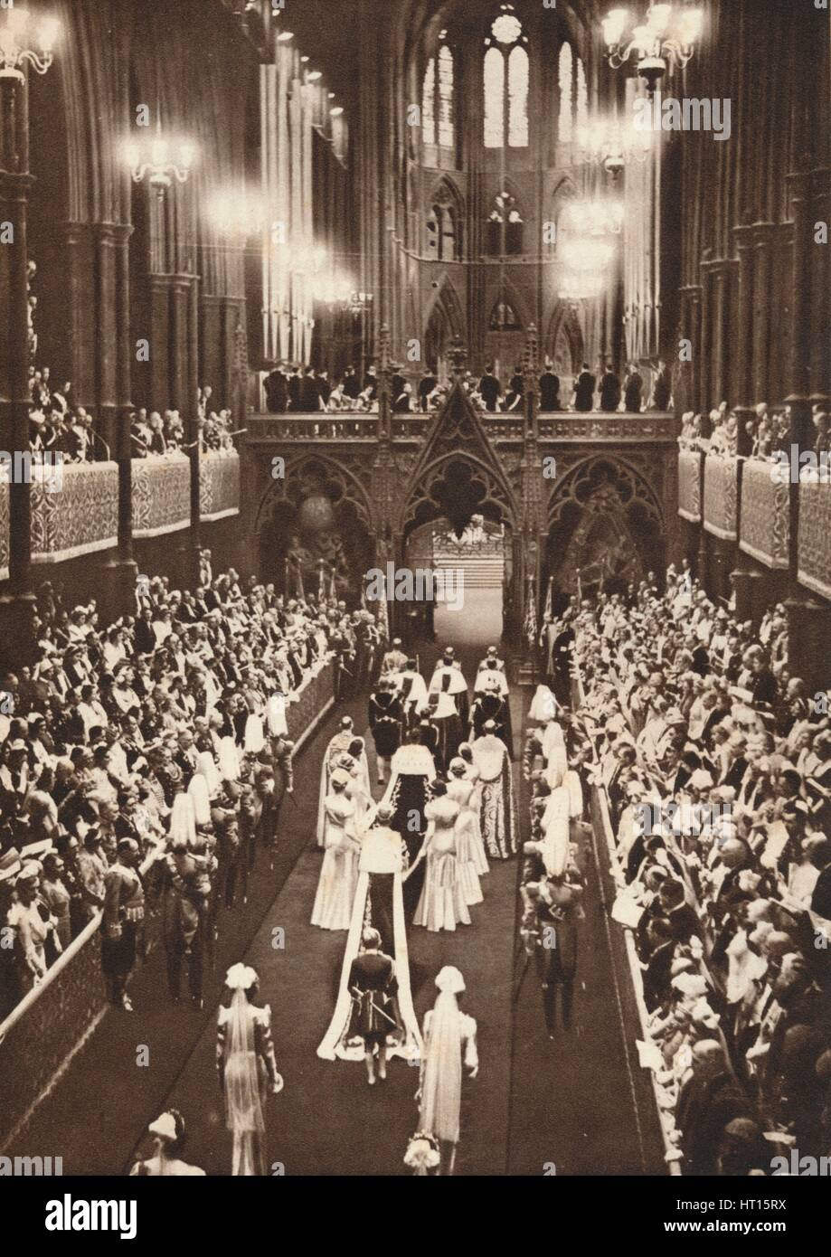 'The Procession Into The Abbey', 1937. Artist: Unknown. - Stock Image