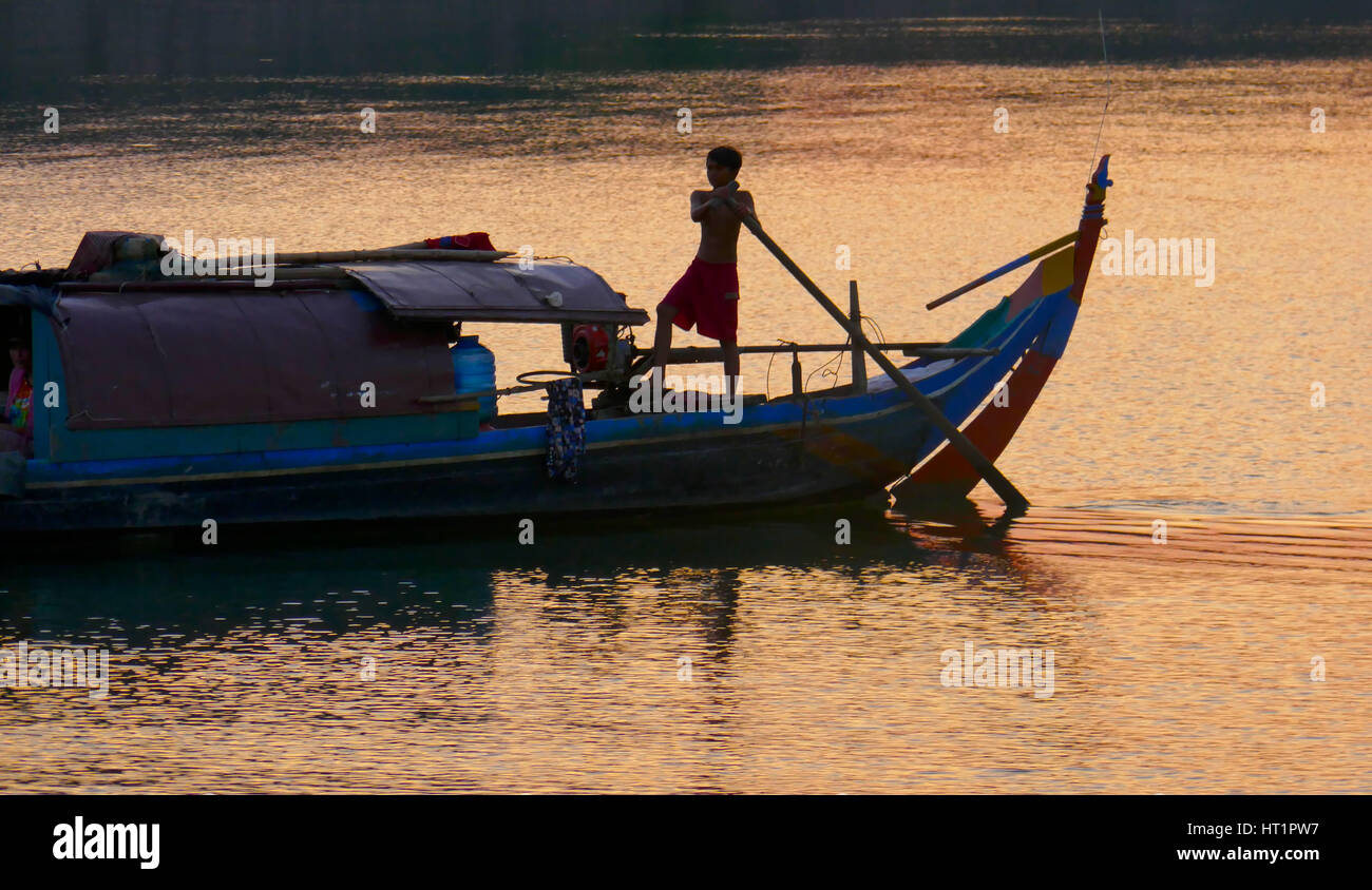 Sunset ovrer the Mekong river in Cambodia - Stock Image