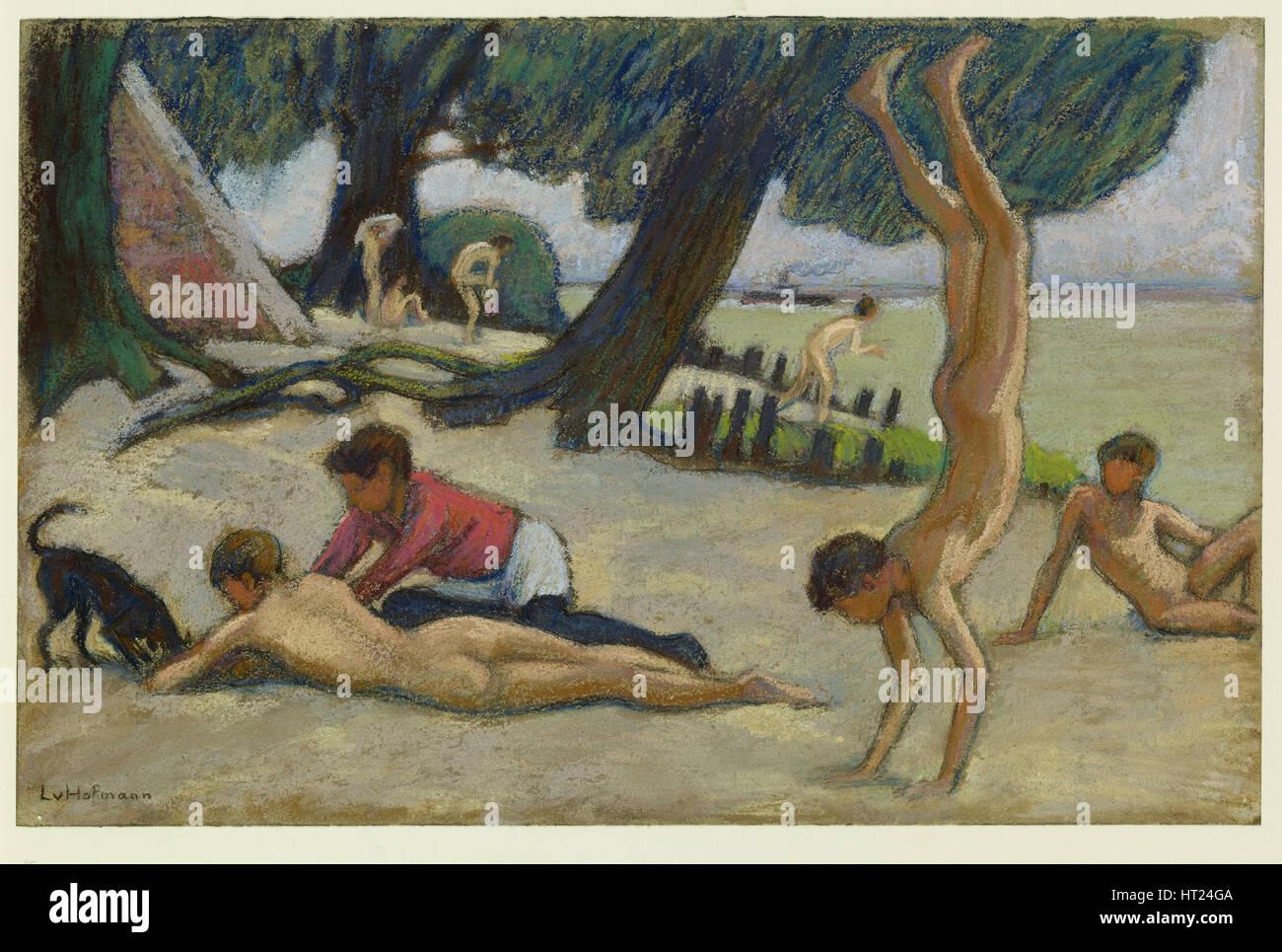 Boys on the beach, c. 1895. Artist: Hofmann, Ludwig, von (1861-1945) - Stock Image