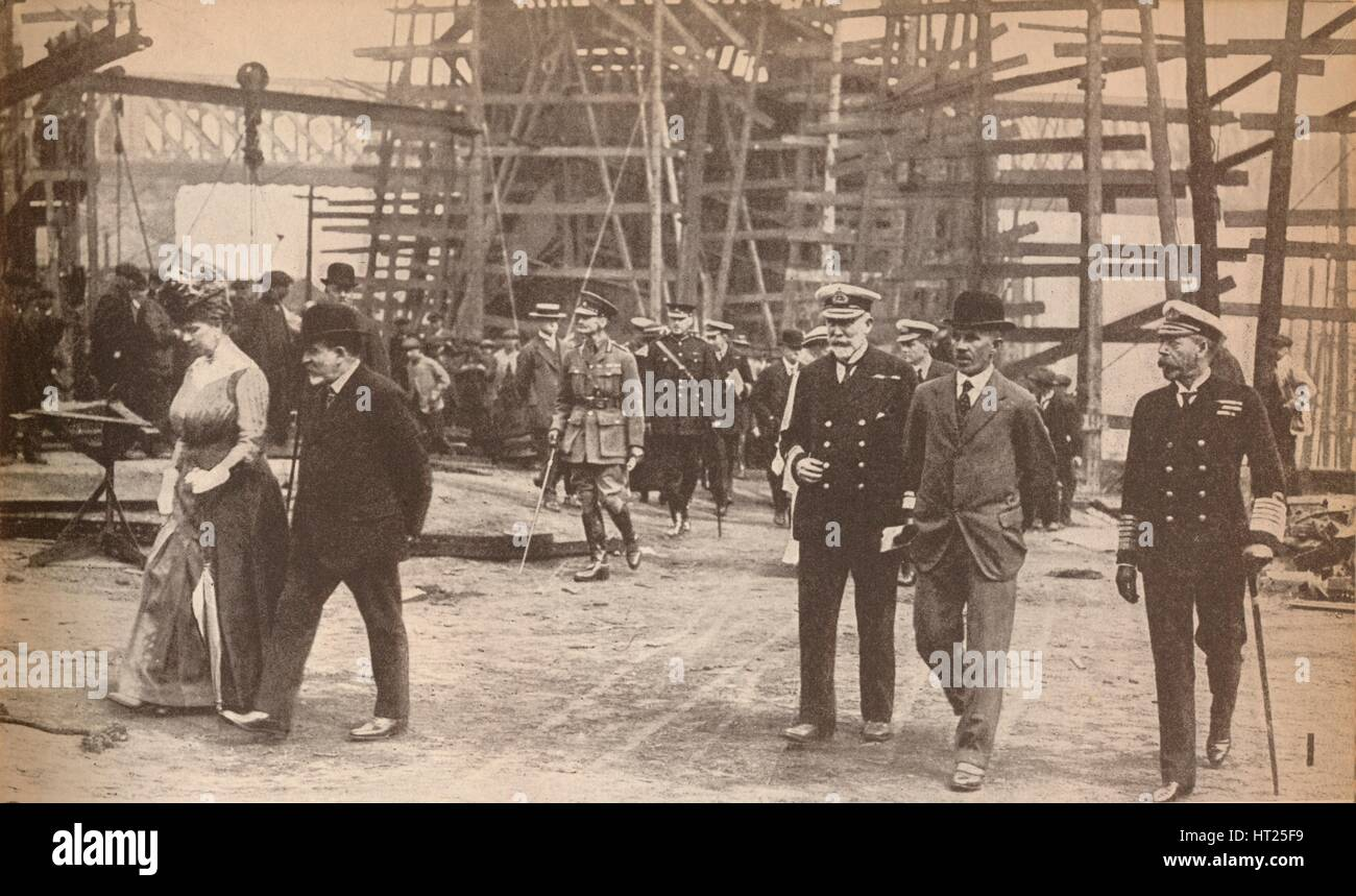 King George V and Queen Mary at a Sunderland shipyard during World War I, June 15th, 1917, (1935). Artist: Unknown. - Stock Image