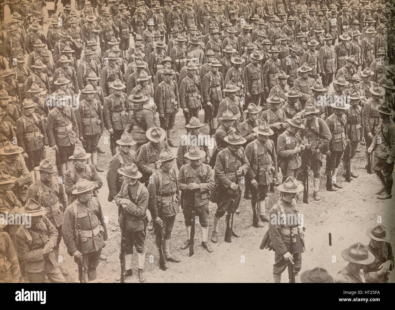 'United States Troops on parade before their march through London on August 15, 1917, when they were Artist: - Stock Image