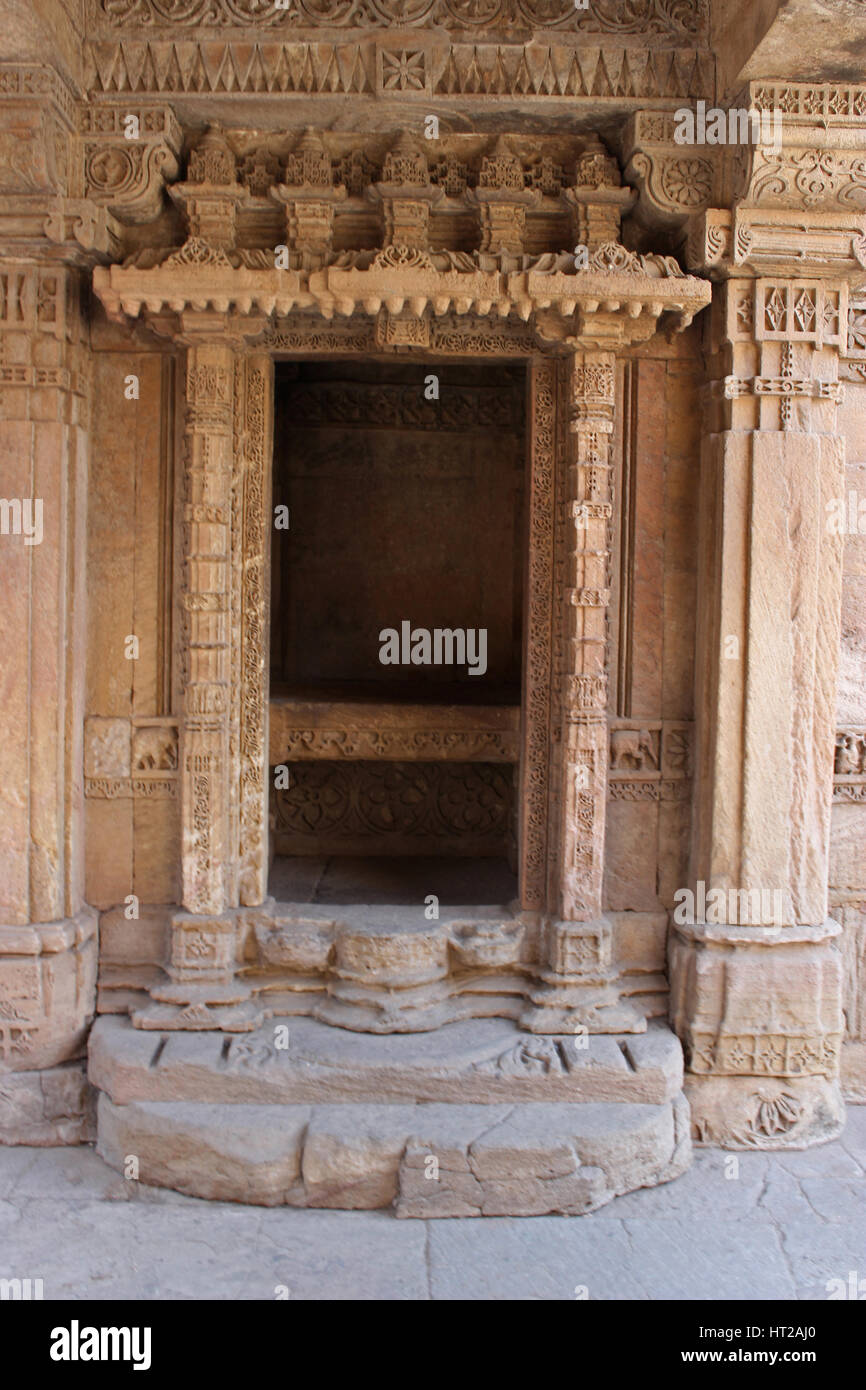 View of the decorative entrance of a balcony. Adalaj Stepwell, Ahmedabad, Gujarat, India - Stock Image