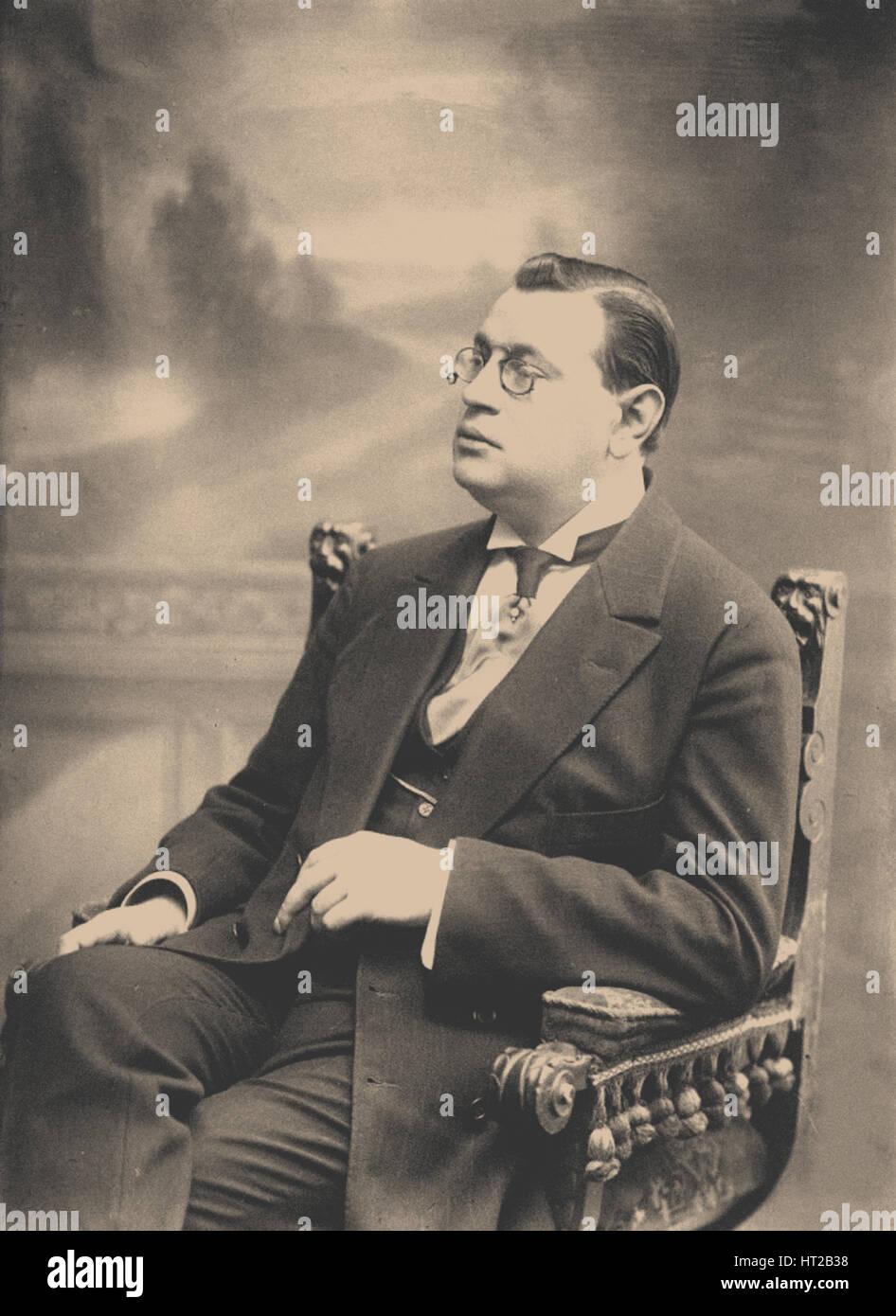 Arkady Timofeevich Averchenko (1881-1925), 1913. Artist: Bulla, Karl Karlovich (1853-1929) - Stock Image