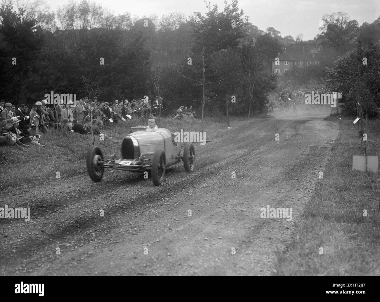 Bugatti Type 35, Bugatti Owners Club Hill Climb, Chalfont St Peter, Buckinghamshire, 1935. Artist: Bill Brunell. - Stock Image