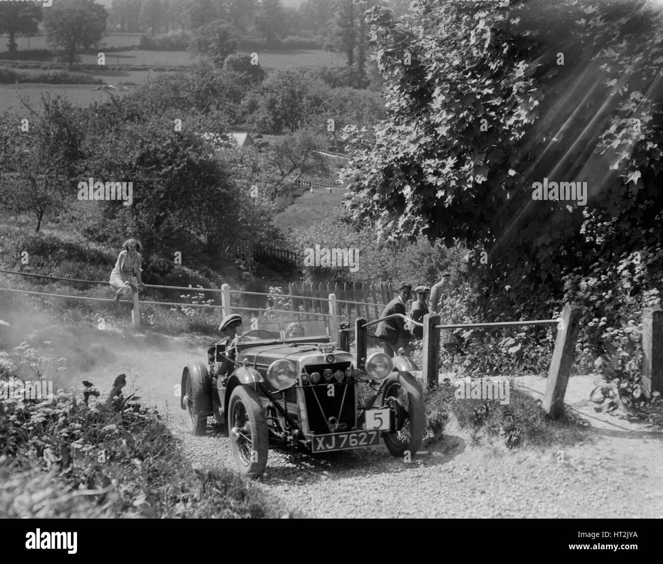 1933 Crossley Ten taking part in a West Hants Light Car Club Trial, Ibberton Hill, Dorset, 1930s. Artist: Bill Brunell. - Stock Image