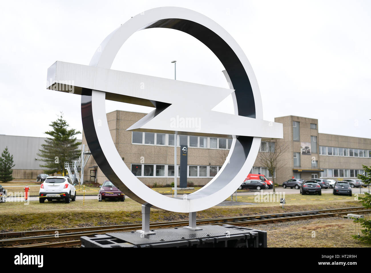 Kaiserlautern, Germany. 6th Mar, 2017. A logo of the car manufacturer Opel at the factory in Kaiserlautern, Germany, Stock Photo