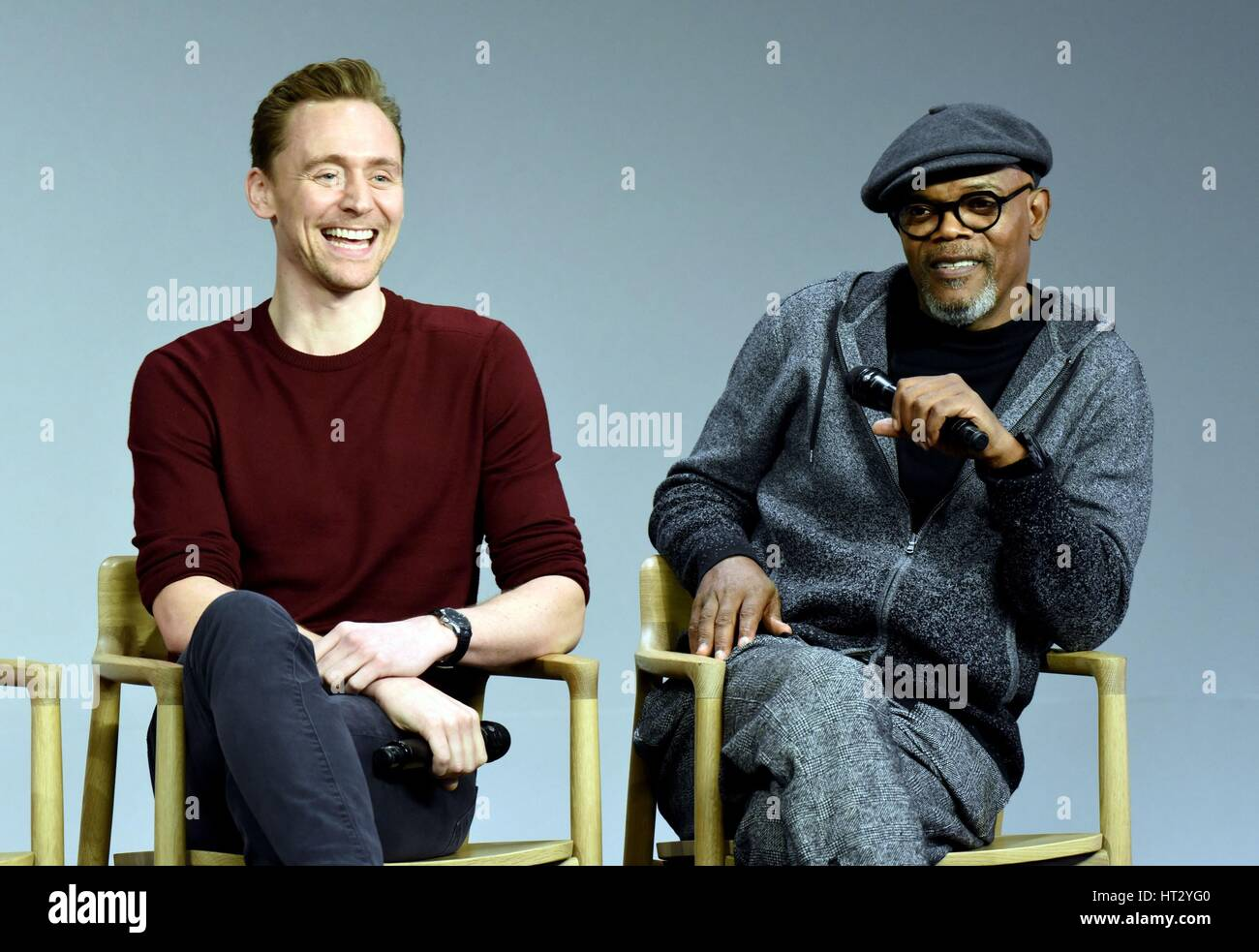 New york ny usa 6th mar 2017 tom hiddleston samuel l jackson tom hiddleston samuel l jackson at in store appearance for meet the cast kong skull island the apple store soho new york ny march 6 2017 m4hsunfo