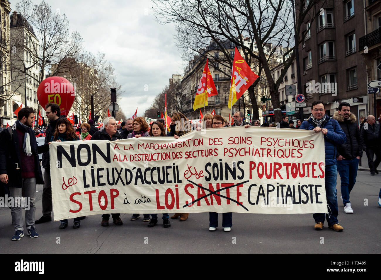 Paris, France. 07th Mar, 2017. Demonstration of french health workers against the degradation of their working conditions Stock Photo