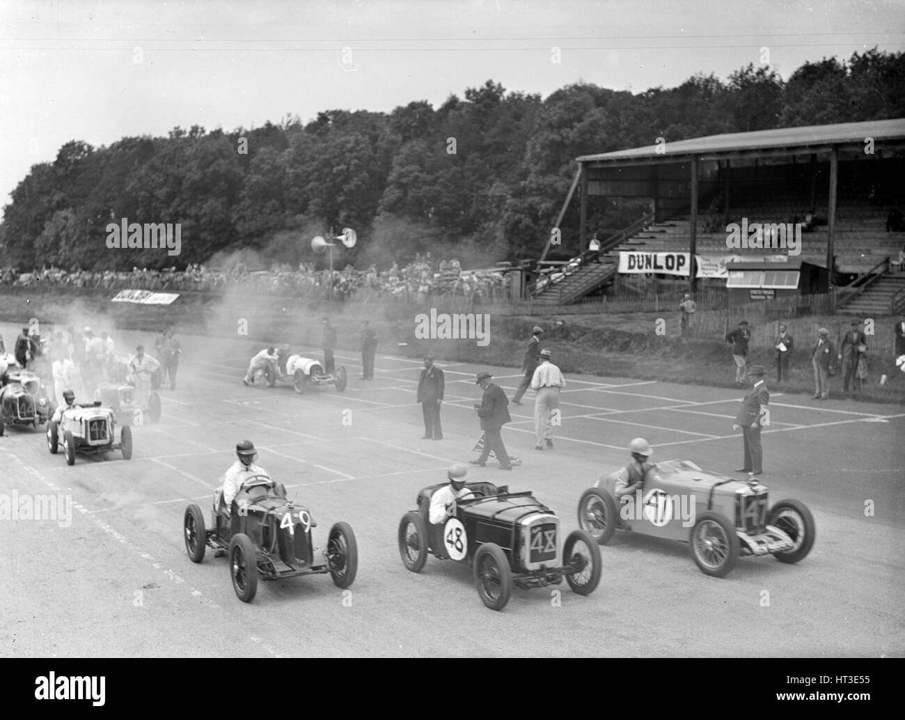Motor race at Donington Park, Leicestershire, 1936. Artist: Bill Brunell. - Stock Image