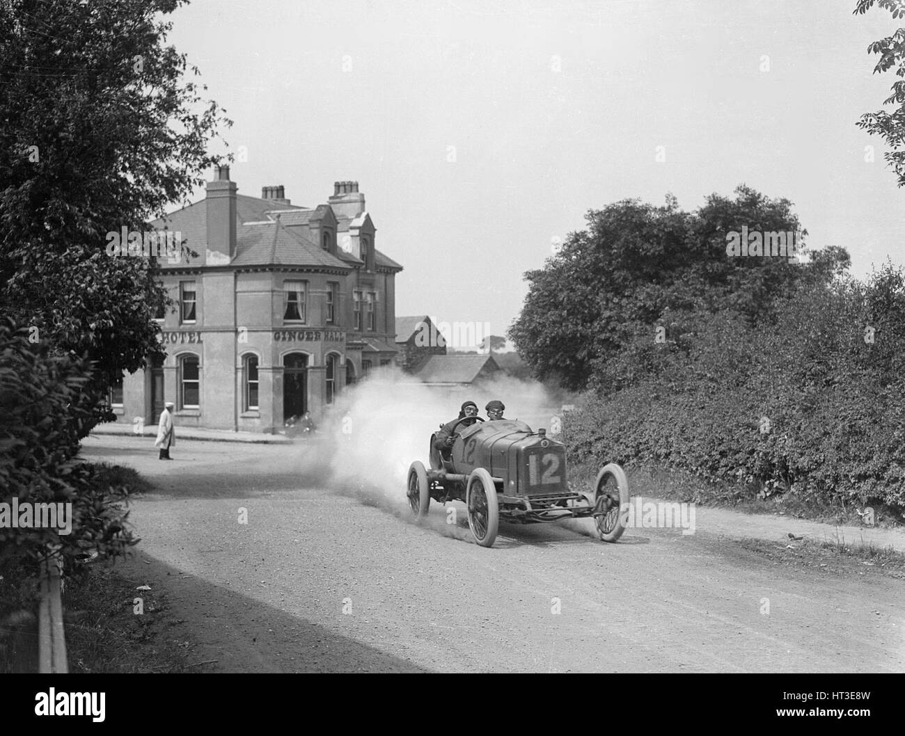 Leon Molon's Minerva passing the Ginger Hall Hotel, Sulby, during the RAC Isle of Man TT race, 1914. Artist: - Stock Image