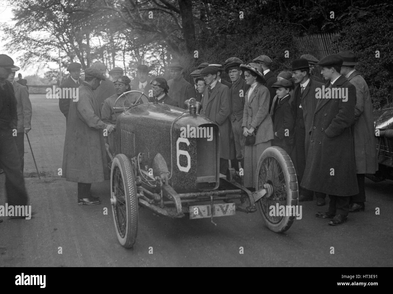 AJ Hancock's 3308 cc Vauxhall at the RAC Isle of Man TT race, 10 June 1914. Artist: Bill Brunell. - Stock Image