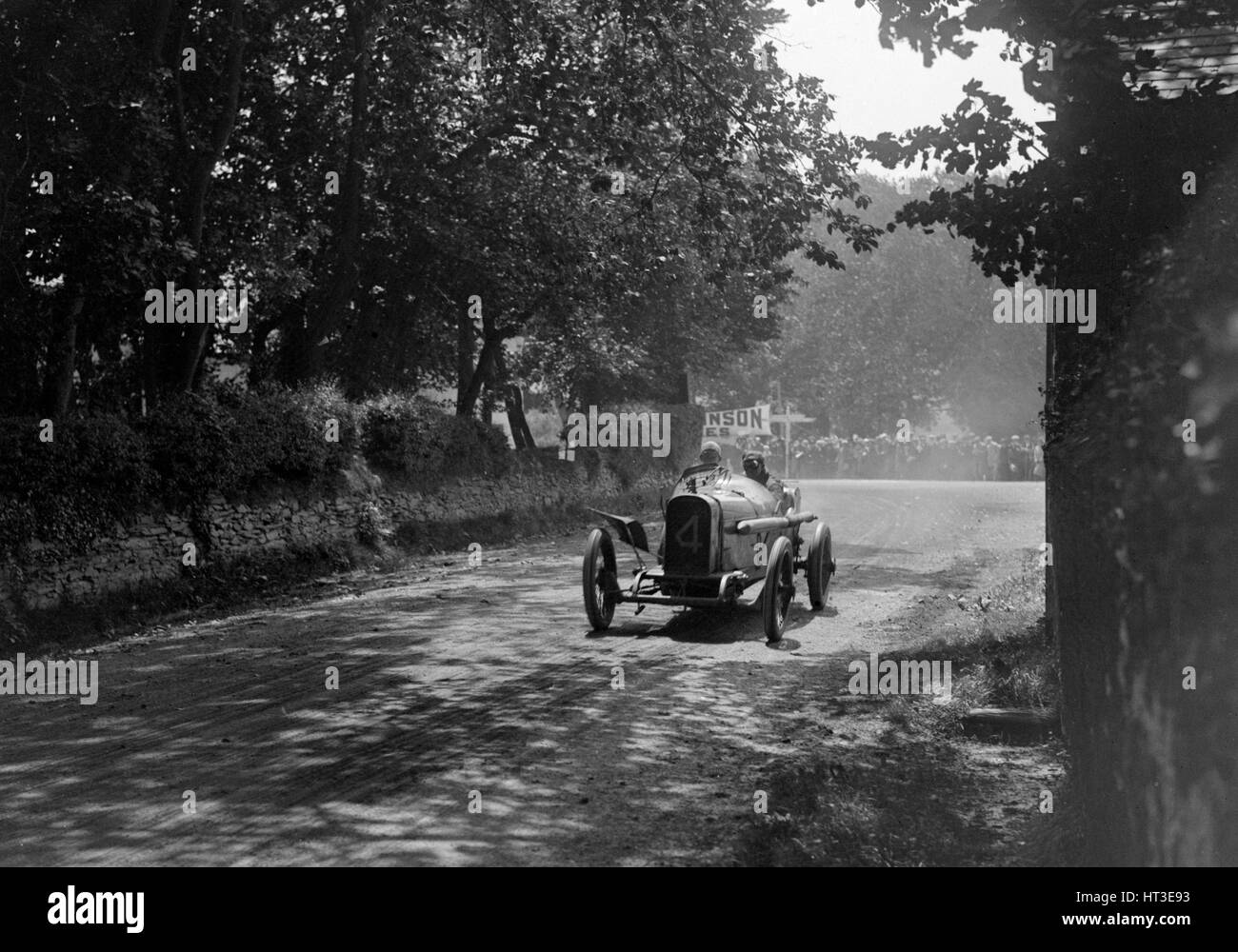 Kenelm Lee Guinness driving his Sunbeam to victory in the RAC Isle of Man TT race, 10 June 1914. Artist: Bill Brunell. - Stock Image