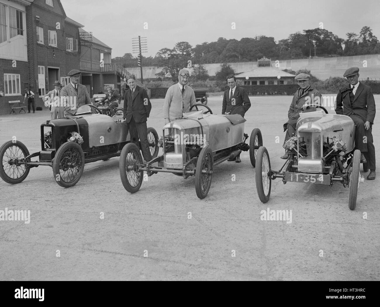 Cars at the JCC 200-mile Race, Brooklands, Surrey, 1921.   Artist: Bill Brunell. - Stock Image