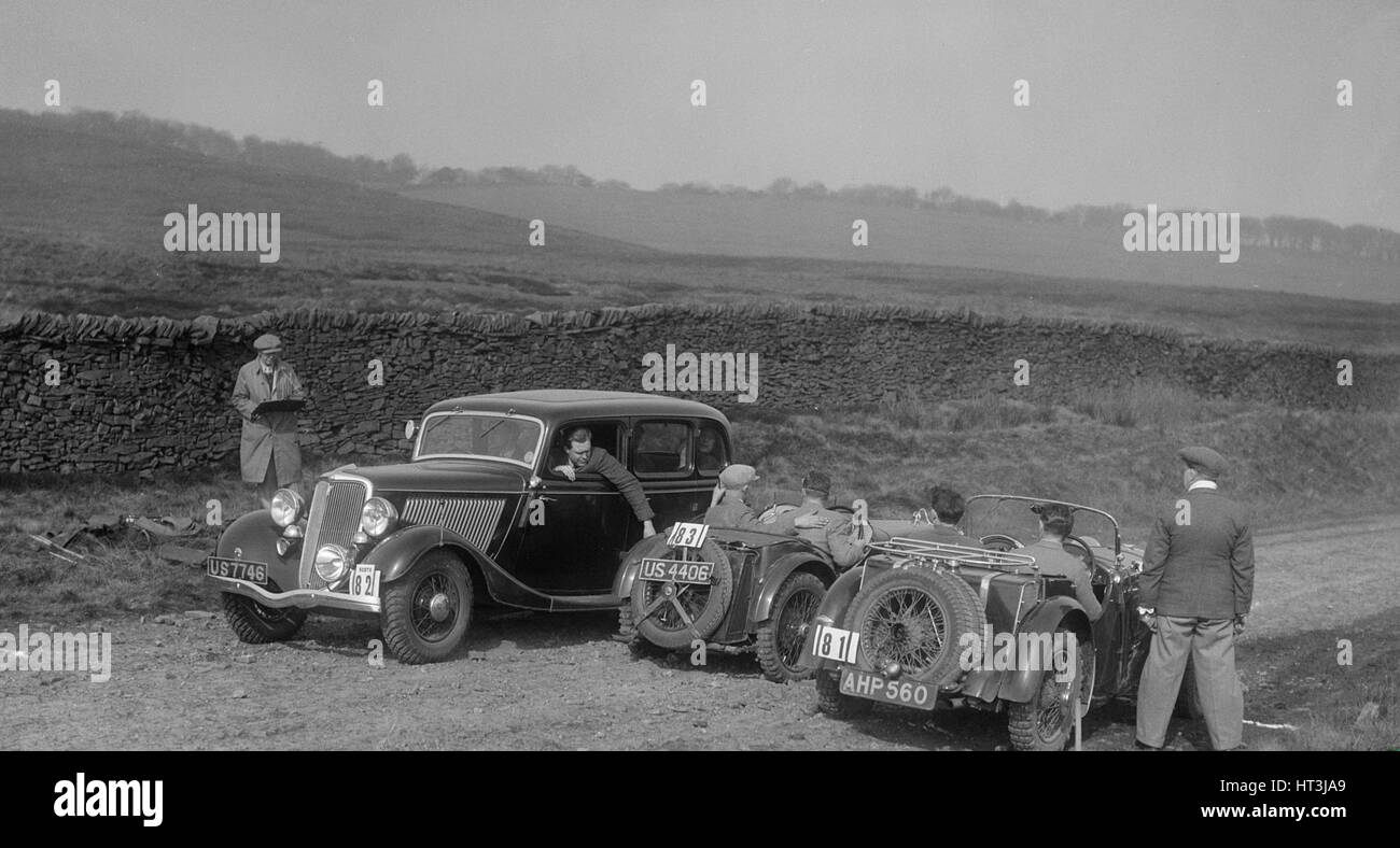 Singer Le Mans, Ford V8 and MG J2 at the Sunbac Inter-Club Team Trial, 1935. Artist: Bill Brunell. - Stock Image