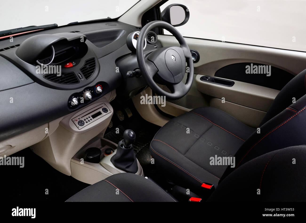 Renault Twingo Stock Photos & Renault Twingo Stock Images