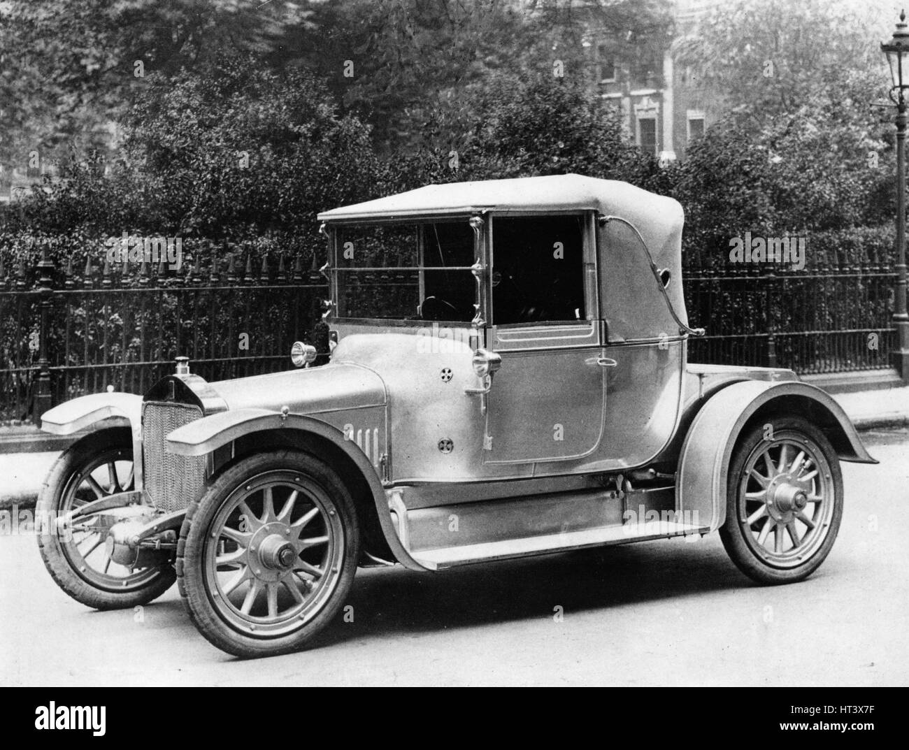 1912 Straker Squire 15hp Artist: Unknown. - Stock Image