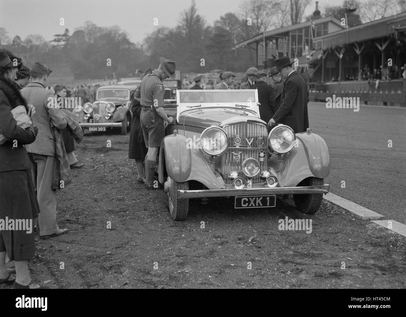 Bentley open 4-seater tourer owned by Sir Malcolm Campbell, Crystal Palace, London, 1939. Artist: Bill Brunell. - Stock Image